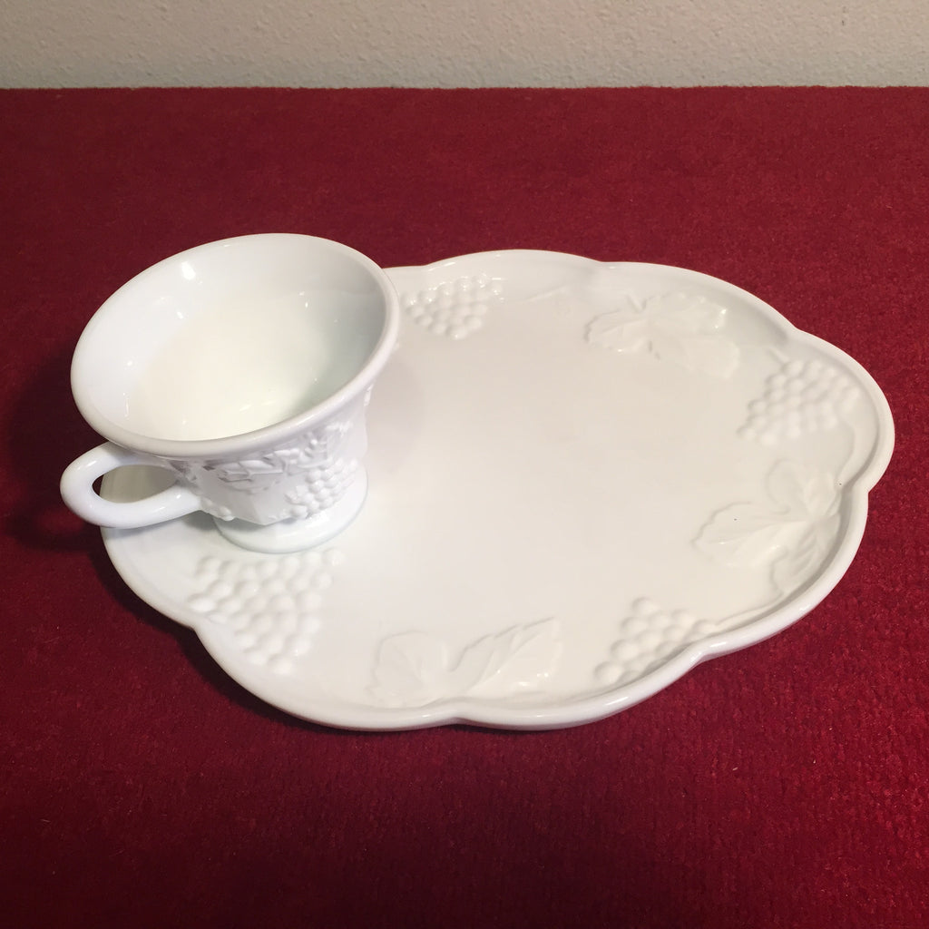 Vintage Indiana Glass Co, Harvest Grape Milk Glass Snack Tray /Cup ...