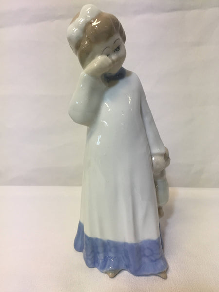ON SALE -  Vintage D'Art SA Spanish Porcelain Figurine - Crying Girl With Doll