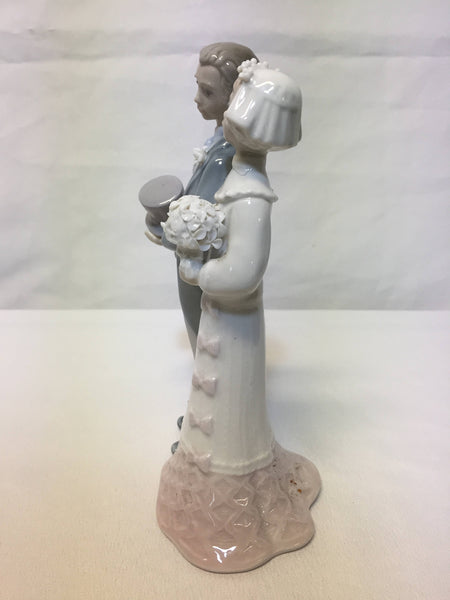 "Lladro #4808 ""Wedding Day"" Bride and Groom"