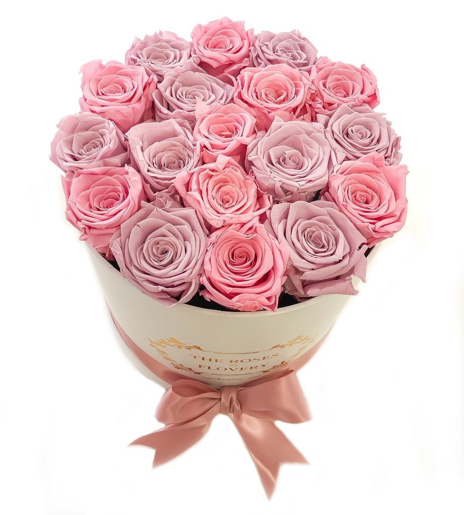 Medium Signature Round Box Eternity Roses