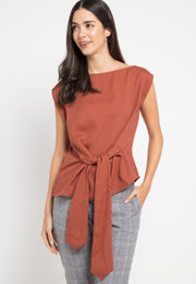 Asymmetric Knotted top - brick