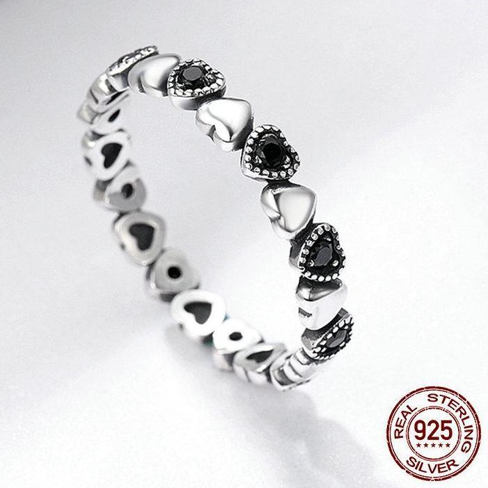 Silver & Black Heart Ring - 100% Authentic 925 Sterling Silver - Handy Treat