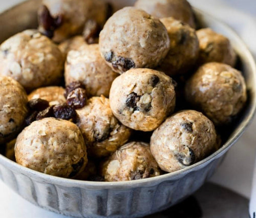 Oatmeal cookie protein bites