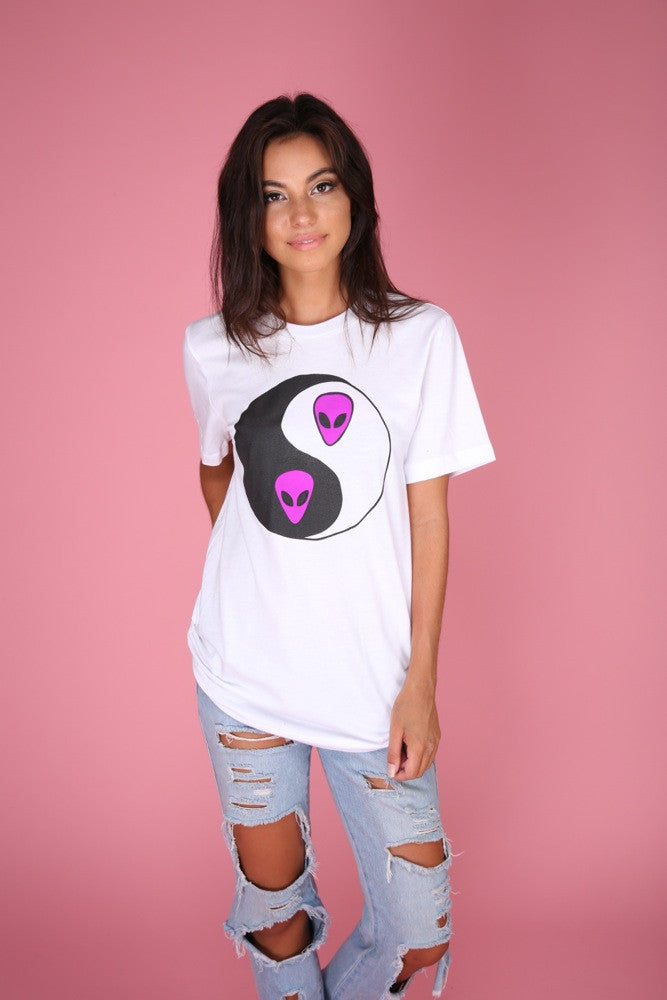 Bright Violet Alien Yin Yang Graphic Unisex Tee