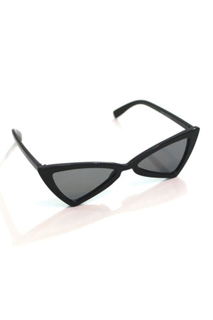 Black Retro Sunnies