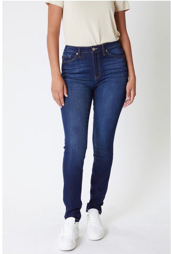 Kancan High Rise Curvy Fit Jeans
