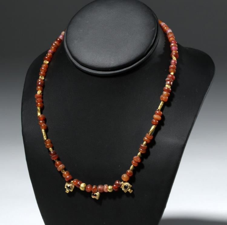 #history #roman #necklace #jewelry #ancient #carnelian #gold #garnet #1stcenturyad #2ndcenturyad #3rdcenturyad #antiquities