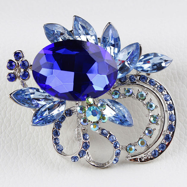 Large Shinning Acrylic Stone and Crystal Diamante Vintage Brooches for