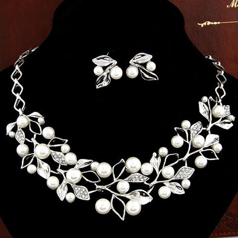 Choker Necklace Wedding Necklaces Earrings for Women imitation Pearl Necklace Stud Earrings Foliage Silver Plated Jewelry Sets