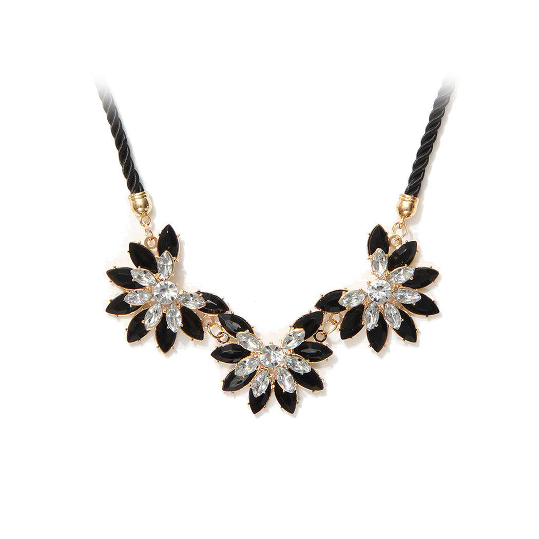 Collares 2016 Hot sale Rhinestone Necklace New Brand Style Crystal