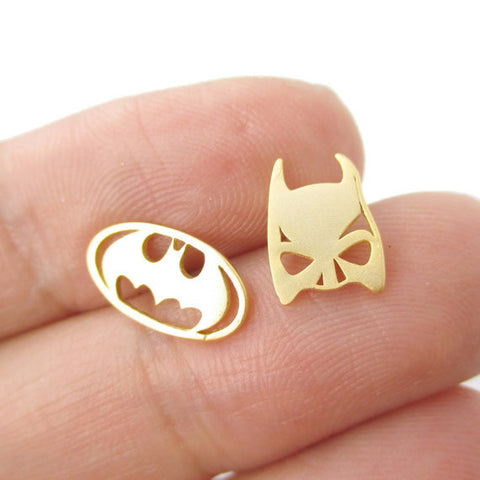 Min 1Pc Batman Themed Bat Mask and Logo Shaped Stud Earrings in Silver DC Comics Super Heroes Themed Jewelry ED076