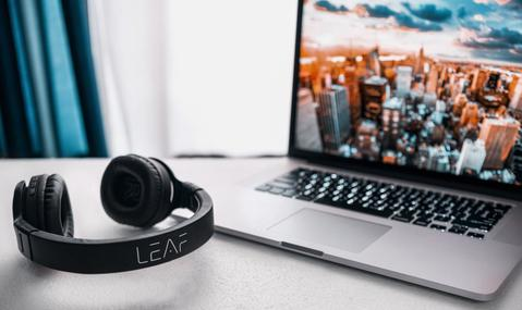 Your Technical Guide To Buy Headphones Online | Leaf Studios Blog