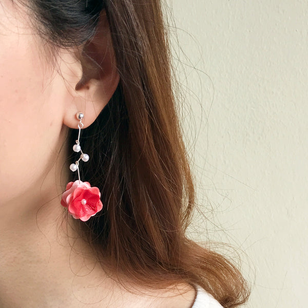 Blossom earrings with fine details