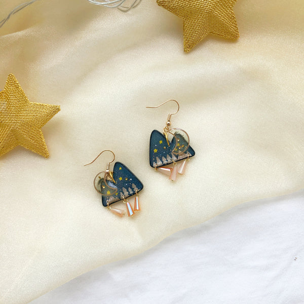 Winter Mountain (gold dangling charms)