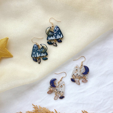 Winter Mountain w mini clouds charms (gold)