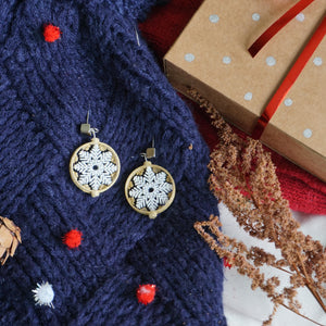 Christmas Snow Flakes (gold) studs