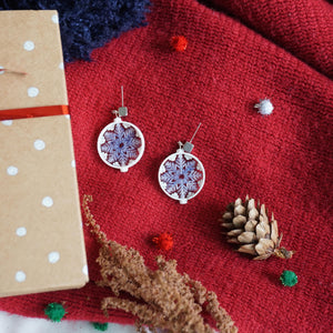 Christmas Snow Flakes (white) studs
