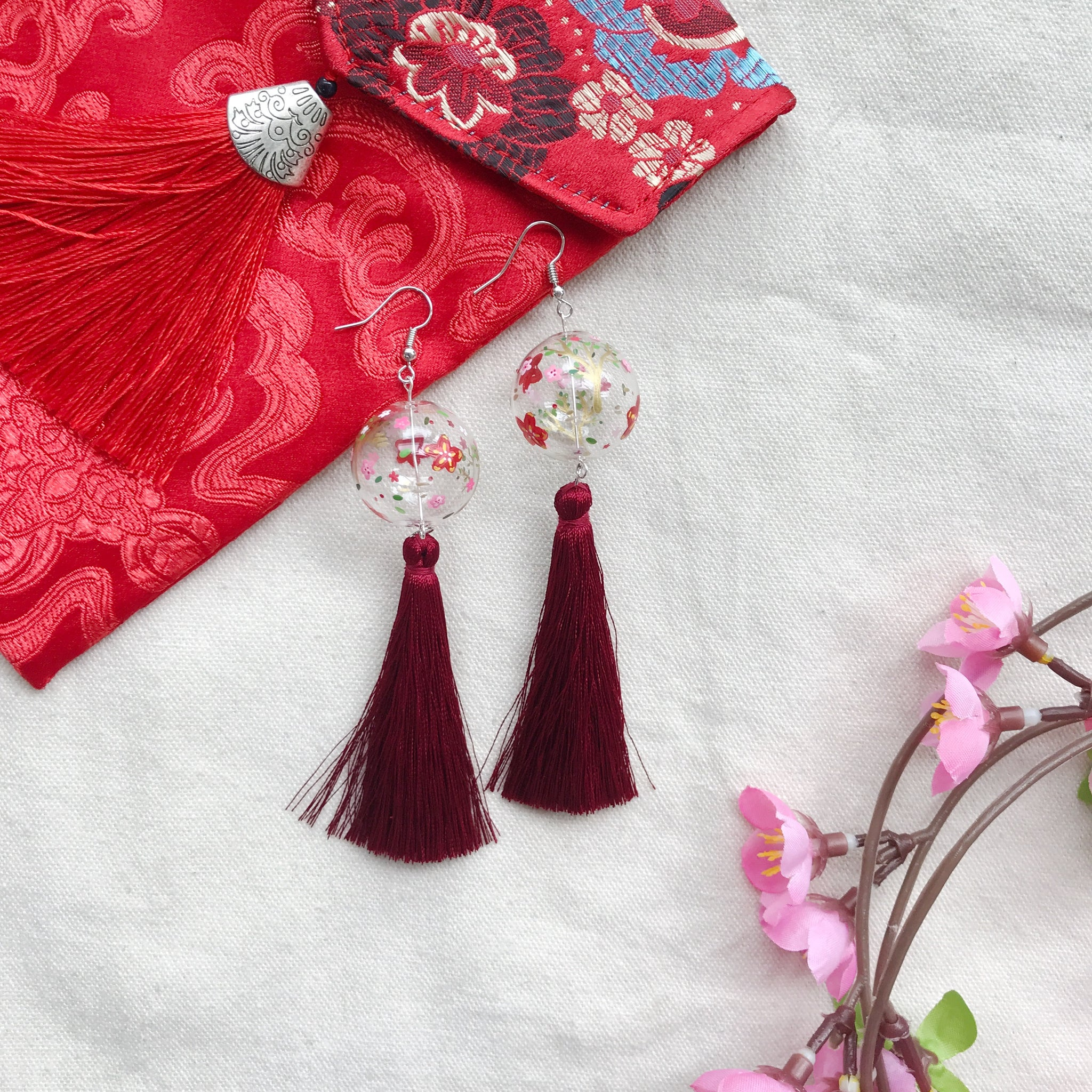 The Bloom bubbles (with red tassels)