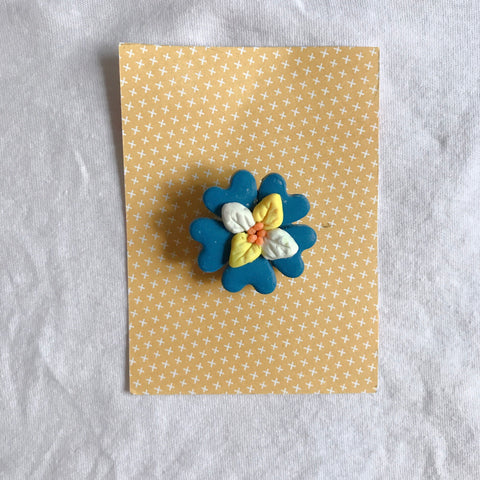 mamachen's blue flowers brooch