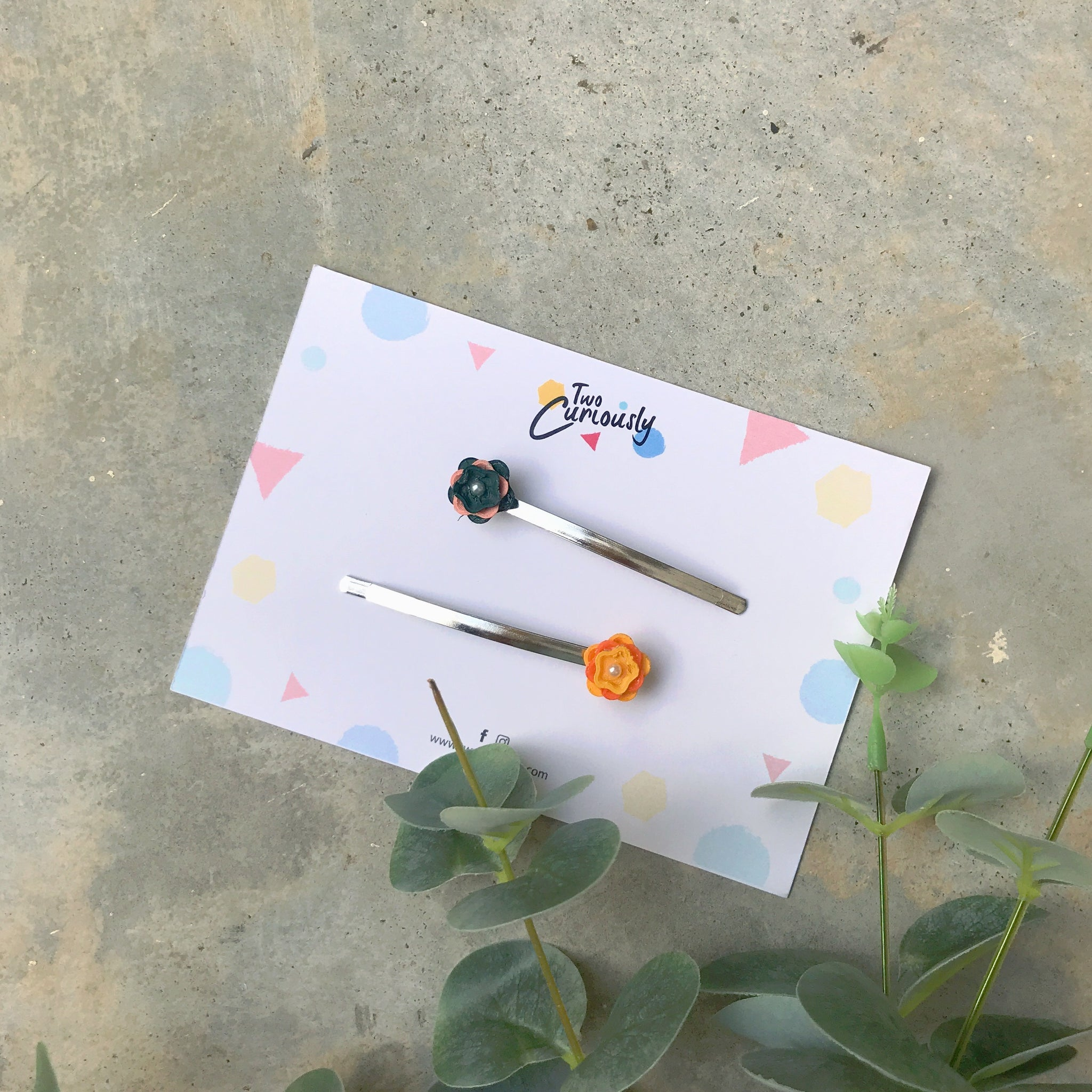 Embrace Mini Flower Hair Pins