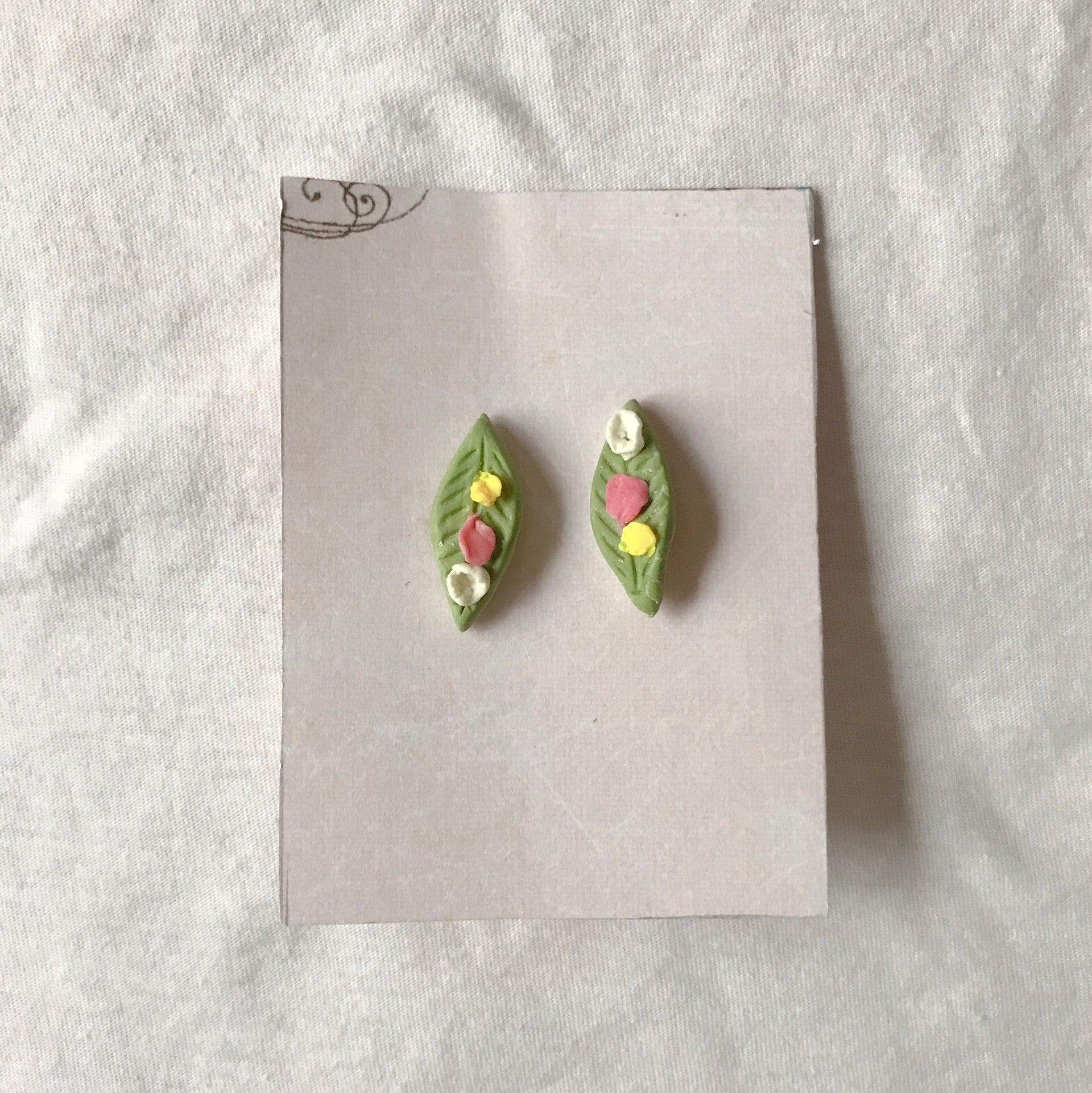mamachen's leaves studs