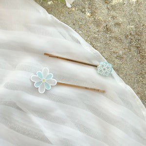 Walking on Klouds Hair pin set (preorder)