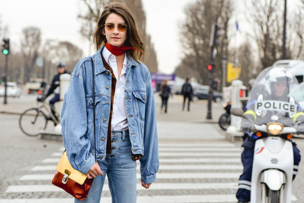 Denim jacket. Whether you admit it or not, 90\u0027s fashion trends are making a  comeback\u2014a big one, actually. Why are we saying this?