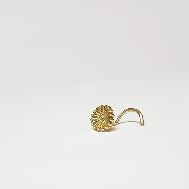 18g gold nose stud