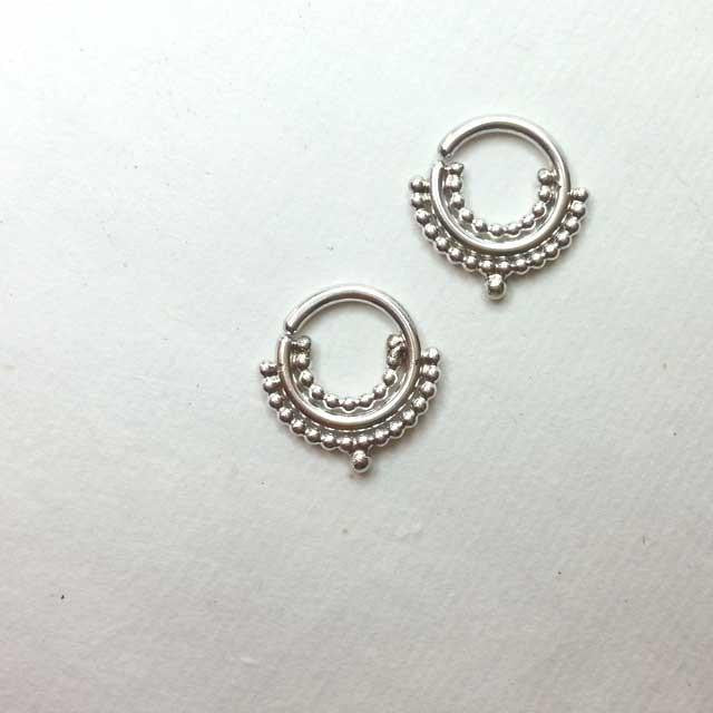 Queen's Candy Silver Septum Ring - patapatajewelry