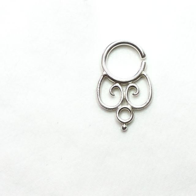 septum piercing barbell