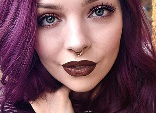gold septum piercing