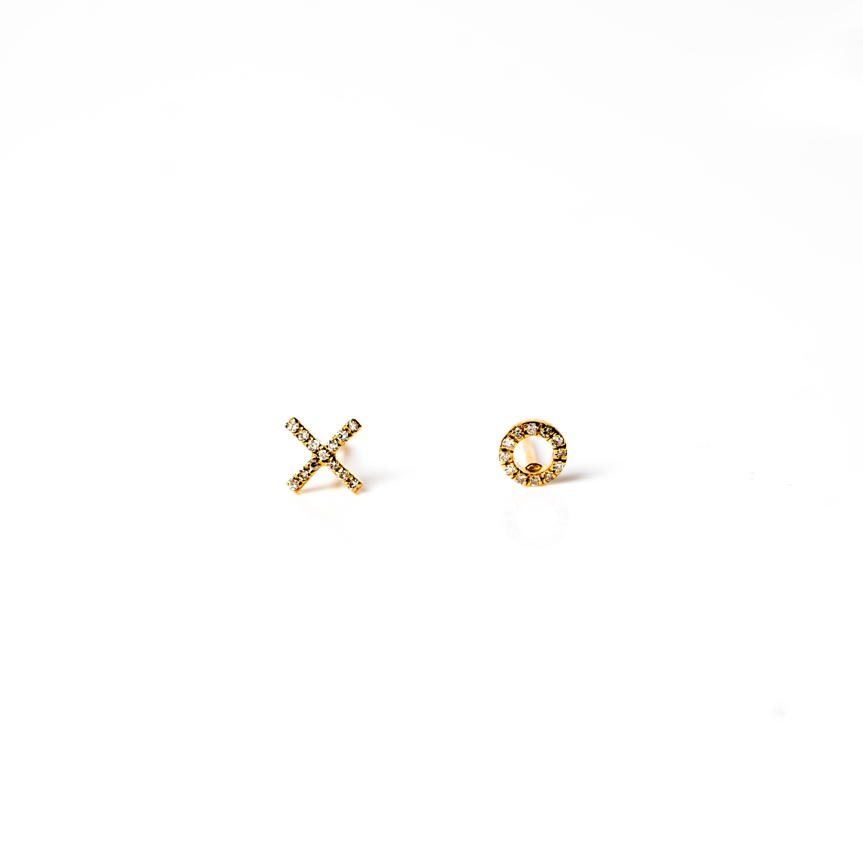 'XO' Gold Studs -PAIR-