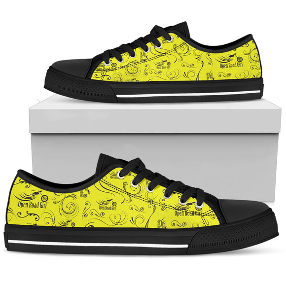 YELLOW Full Color Scatter Design Open Road Girl Women's Low Top Shoe