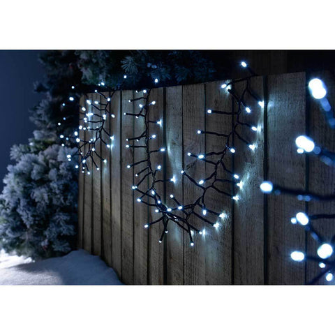 300-LED Chasing Cluster Light String, 4.5 m - Bright White