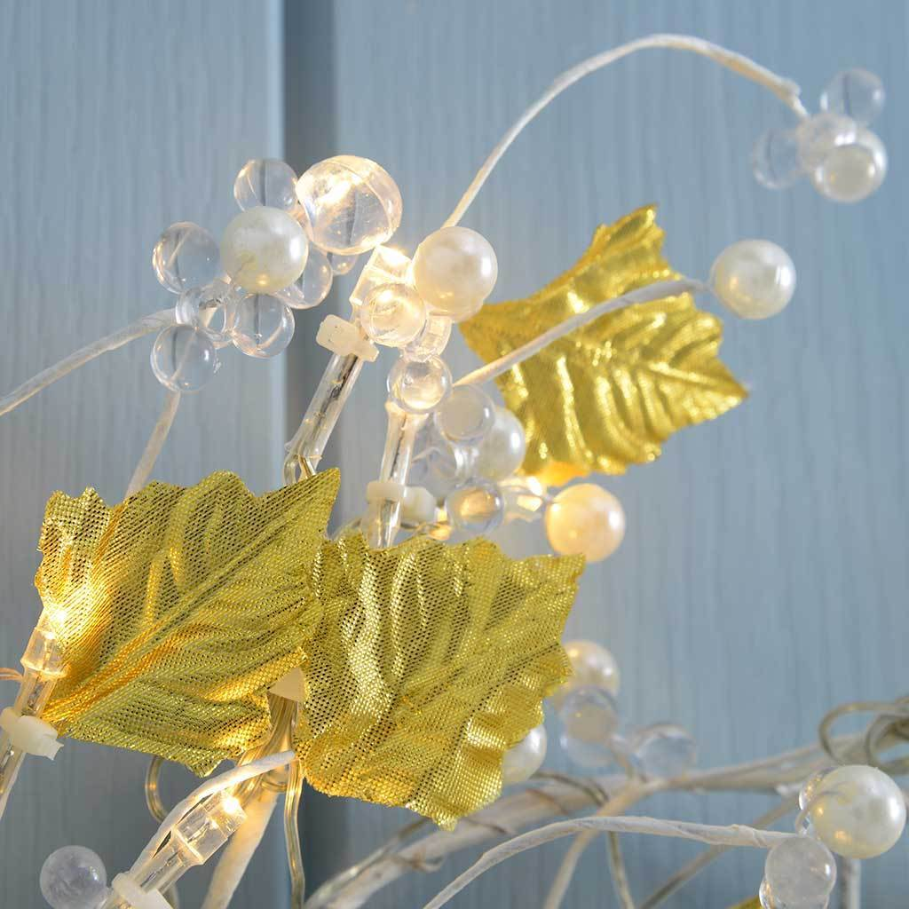 45 cm Pre-Lit Leaf and Pearls Wreath with 45 Warm White LED Lights, Gold