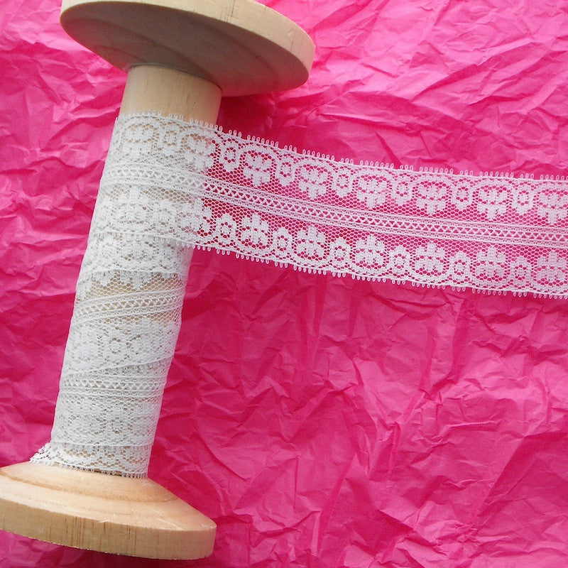 Garland Edge Lace Ivory