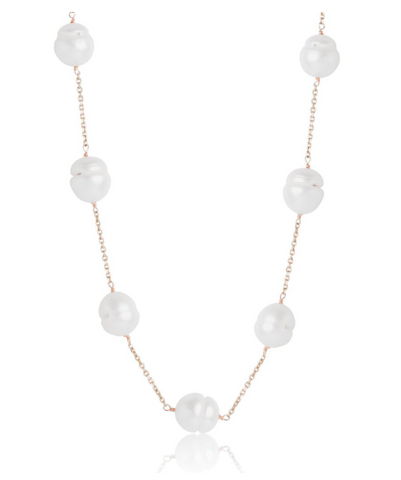 yellow gold and pearl necklace