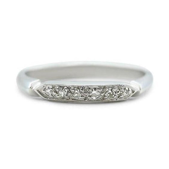 WHITE GOLD ESTATE WEDDING BAND WITH SINGLE CUT DIAMONDS AND A KINFE EDGE SIDE DETAIL