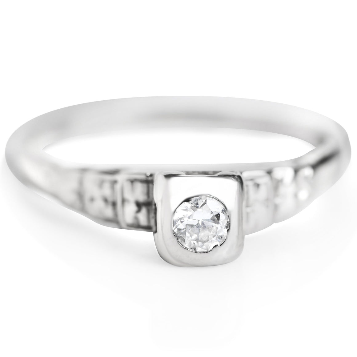 SIMPLE DIAMOND ANTIQUE ENGAGEMENT RING WITH WHITE GOLD BAND AND GEOMETRIC DETAILS