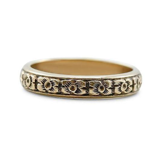 HAND ENGRAVED yellow GOLD ESTATE WEDDING BAND WITH FLOWERS ALL AROUND