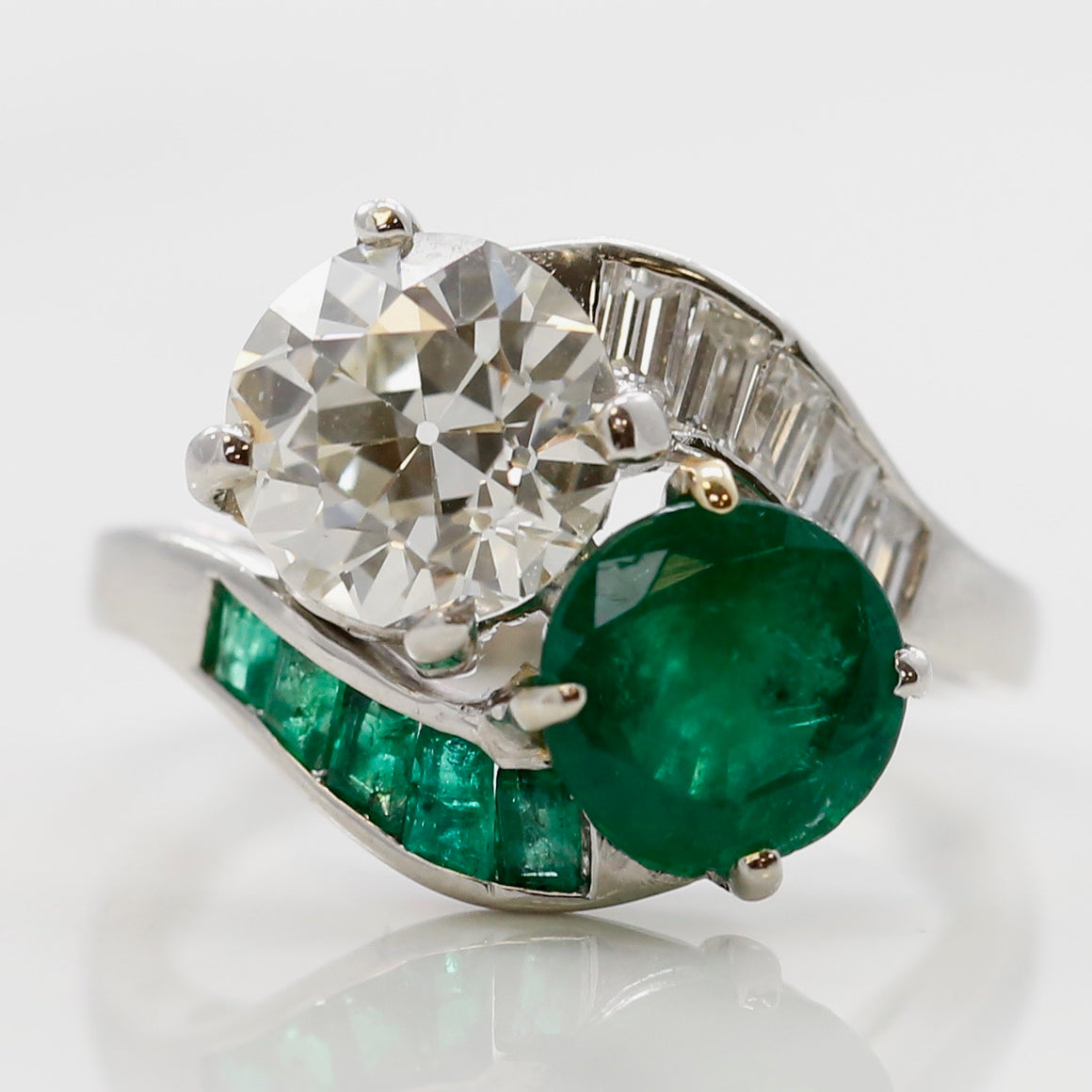 Emerald Diamond Platinum Antique Art Deco Ring