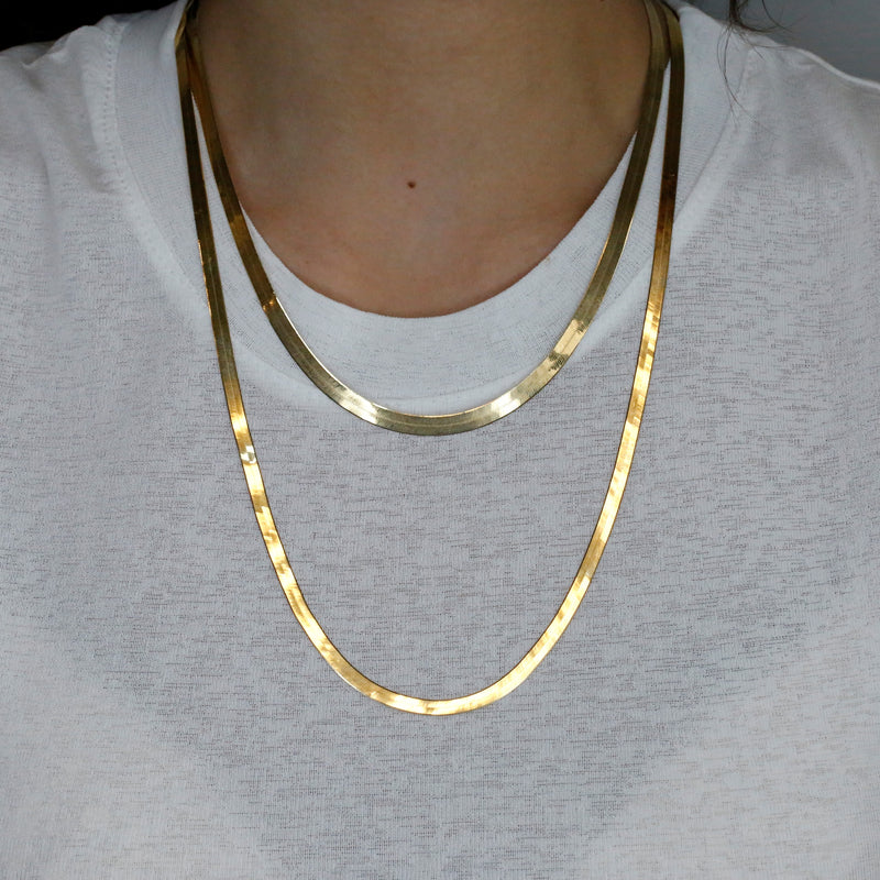 14k yellow gold estate herringbone chain 18in long
