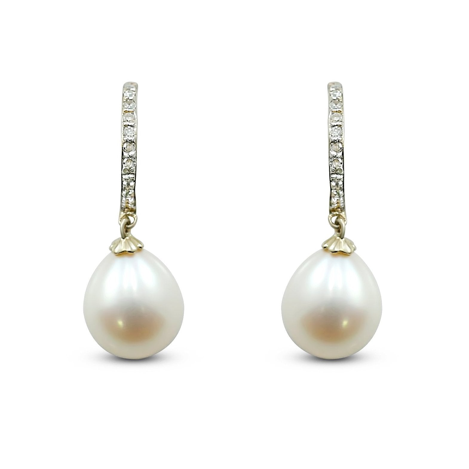 14k white gold freshwater pearl and diamond huggie dangle earrings