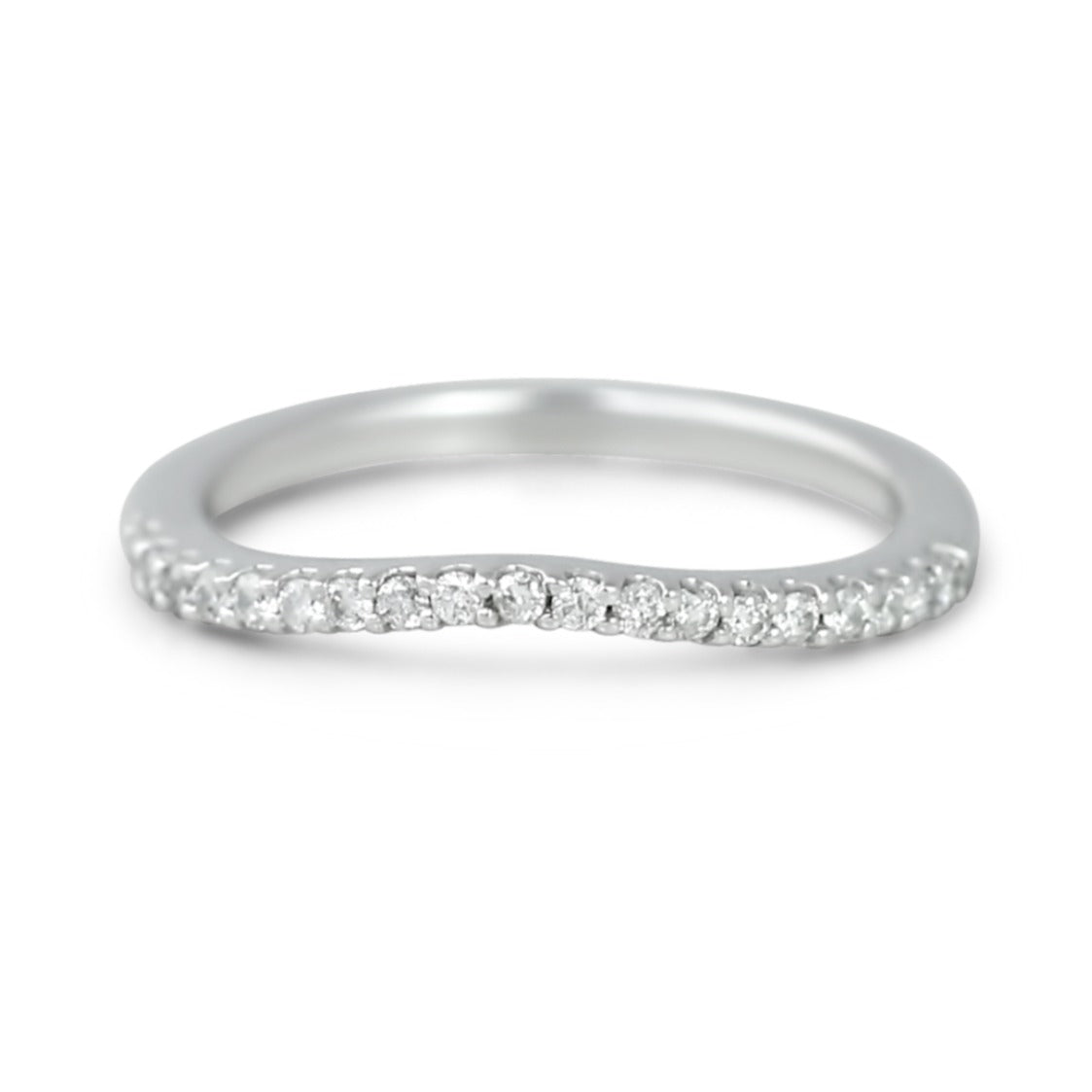 14k white gold estate contour  wedding band with diamonds and shared prongs under 1000
