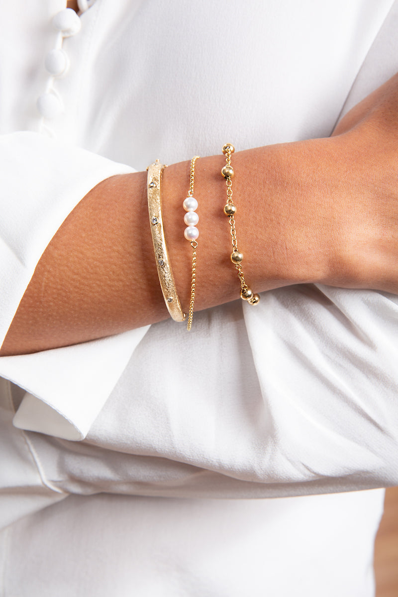YELLOW GOLD BRACELET WITH FRESH WATER PEARLS