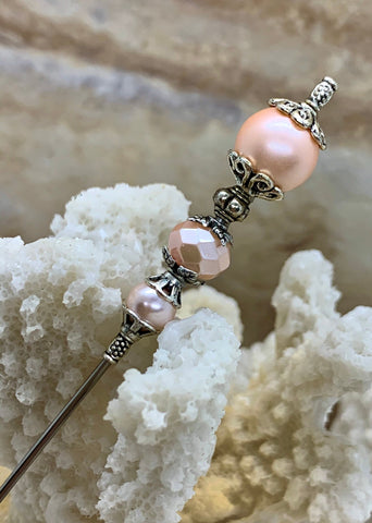 Victorian Antique Inspired Hat Pin, Vintage Style Focal Pink Pearl Bead Encased in Silver Finish Metal Findings. Wedding Hatpin