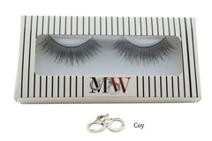 Box of sensual false eyelashes