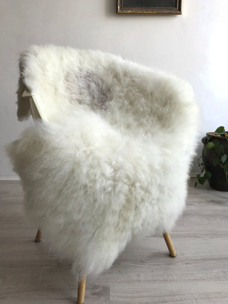 XL Shorthair Ivory Sheepskin with Grey Spot