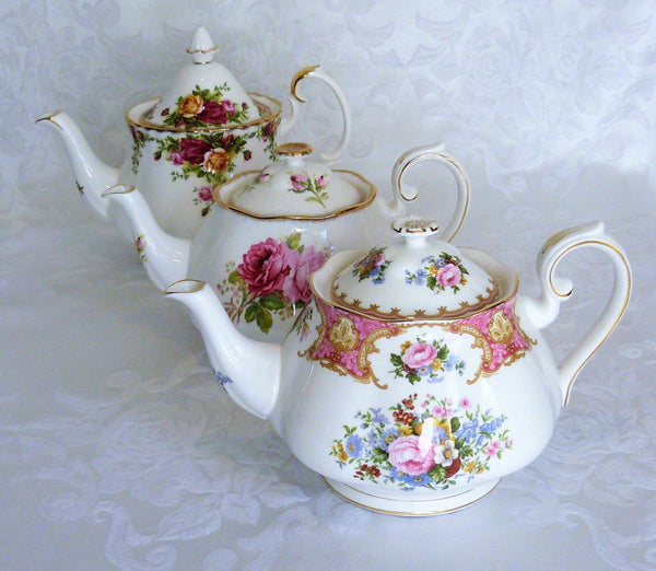 Vintage Exclusive Line Teapots by Royal Table Settings