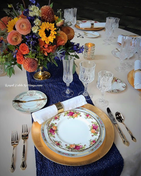 Vintage Dinner Plates.. Vintage Rentals. Perfect for Fall Wedding.  Vintage Party Rentals. China rentals. Dinner Plate Rentals.
